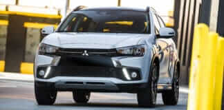 Обновленный внедорожник Mitsubishi ASX 2018 года